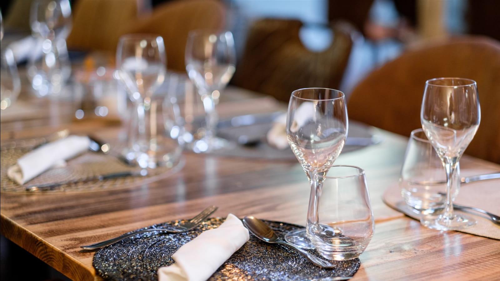 Table dressée au Petit Caboulot