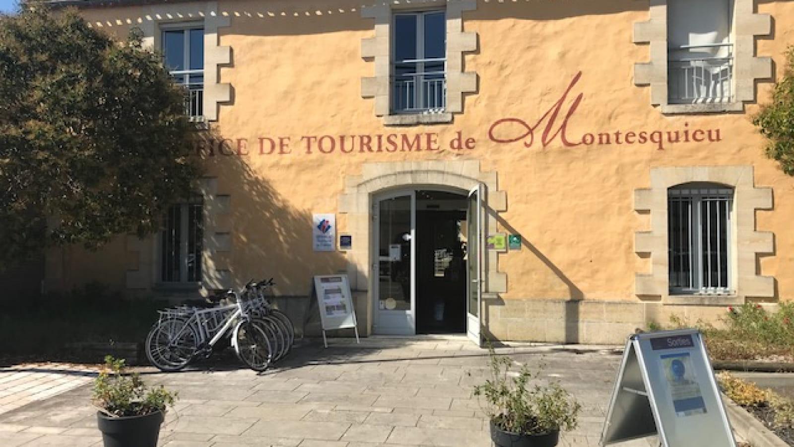 Entrée du bureau d'informations touristiques de Martillac