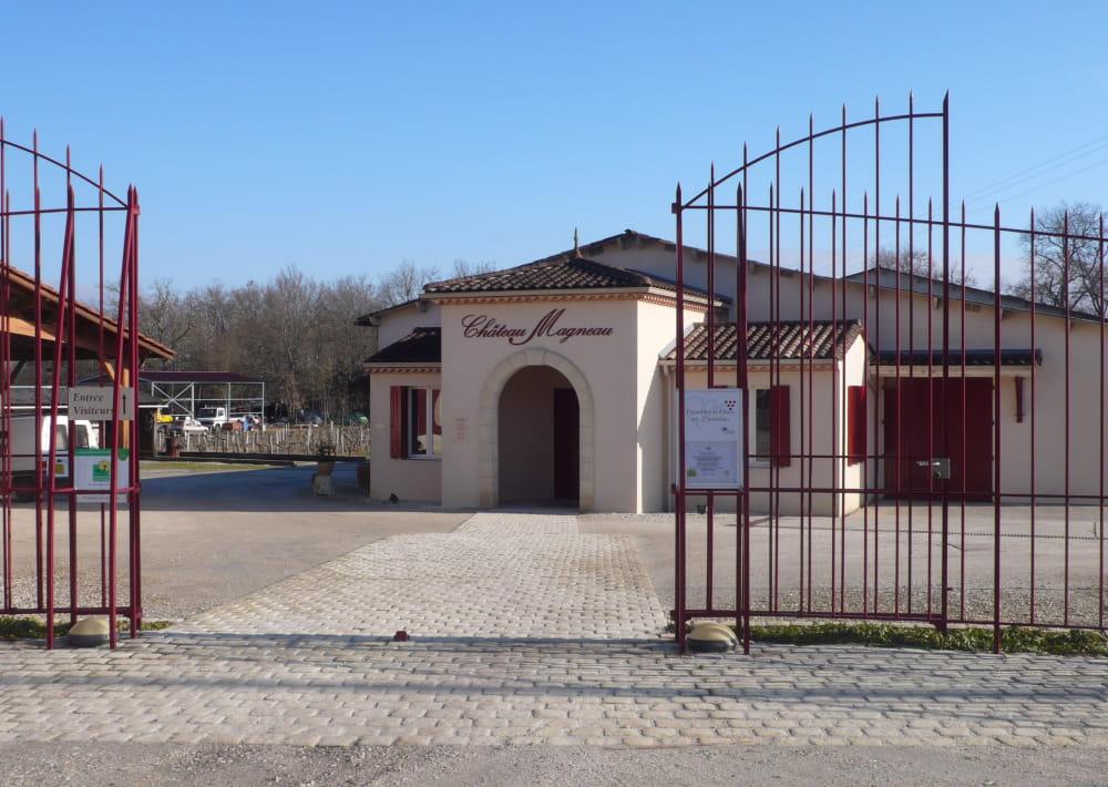 Chateau_Magneau (5)