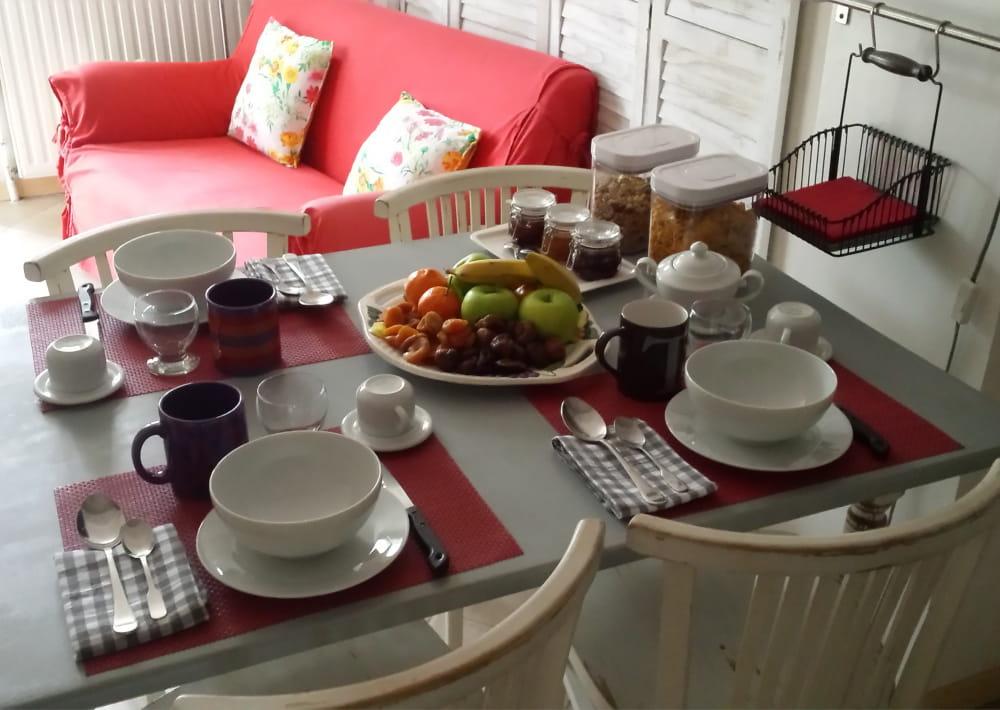 terres_de_montesquieu_chambres_hotes_esprit_des_bois_petit_dejeuner_credit_famille_sainz
